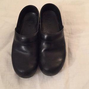 Black Dansko size 37